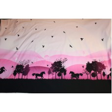 Wild shaddows heste og bjerge på pink